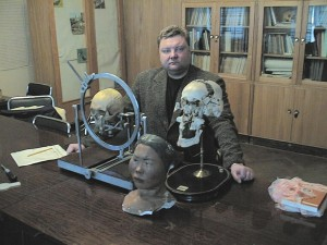 В антропологическом отделе  Петровской Кунсткамеры